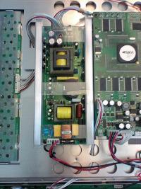 Netzteil-Reparatur an einem TVLogic Broadcast-Monitor
